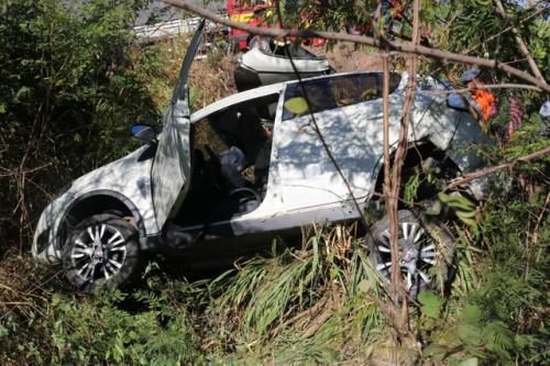 Grave acidente deixa adolescente presa às ferragens na BR-316 de2b1d1541828